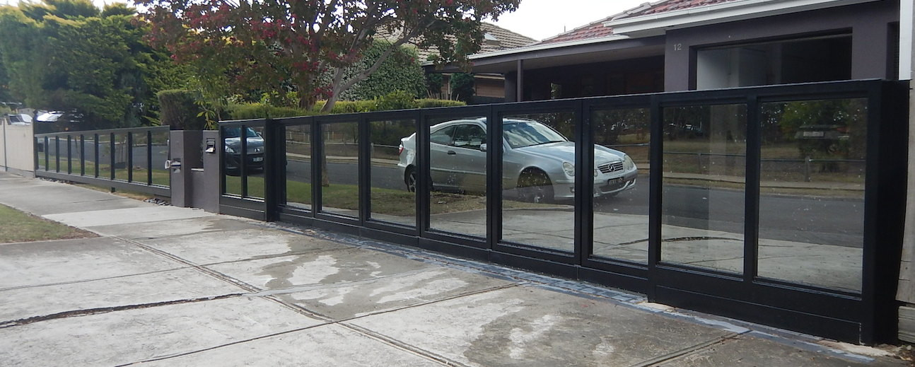 """SIDTURN"" Turning Sliding Gate System"