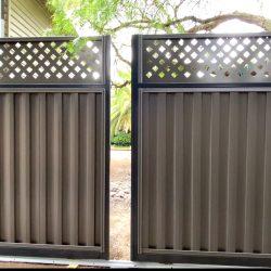 11- Color bond sheeting with lattice patent design
