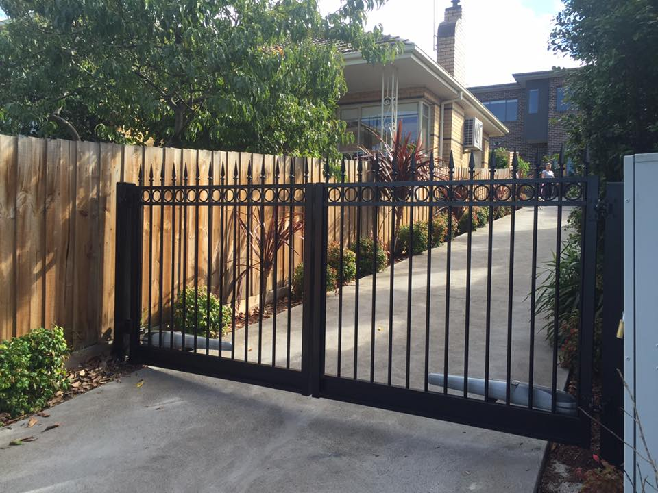 Fixing An Automated Swinging Driveway Gate Melbourne