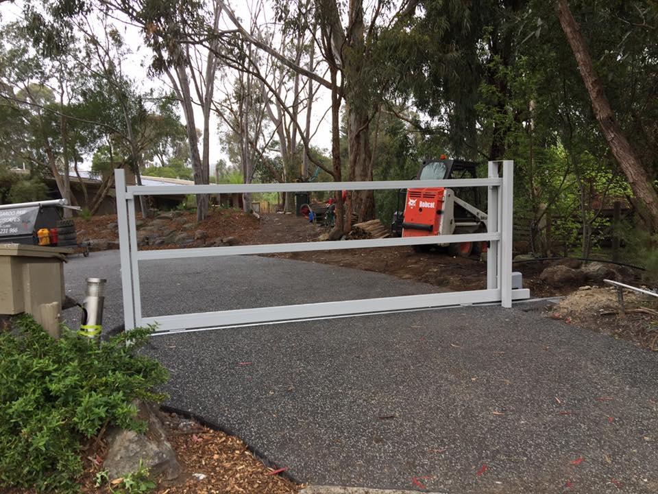 Floor Track Sliding Gate Templestowe   Melbourne   Sidcon Fabrications